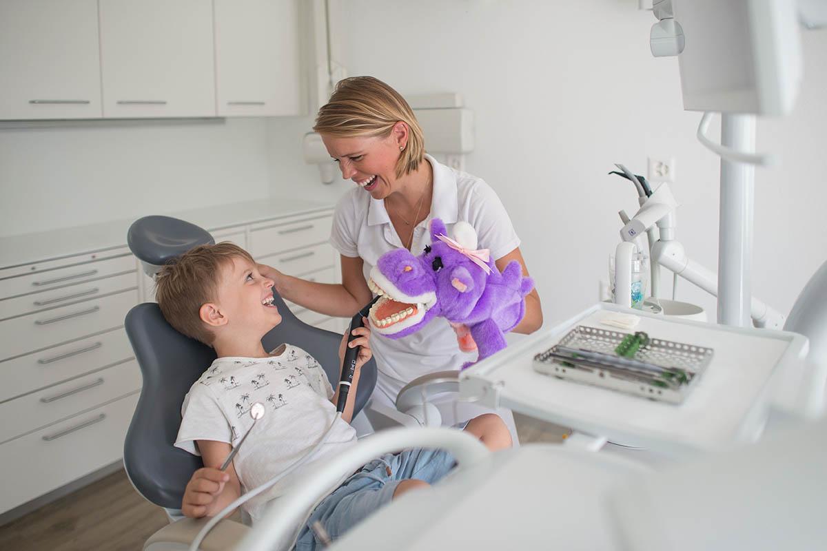 Menzingen Dentist: Dr. Lea Recoder, Baar Dental Practice